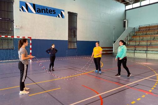 Stage Double Dutch